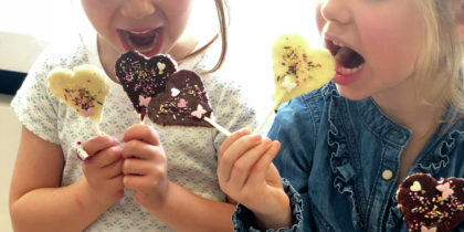 Confectionner des sucettes au chocolat !